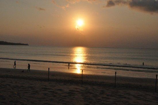 Belmond Jimbaran Puri: Coucher de soleil depuis l'hôtel