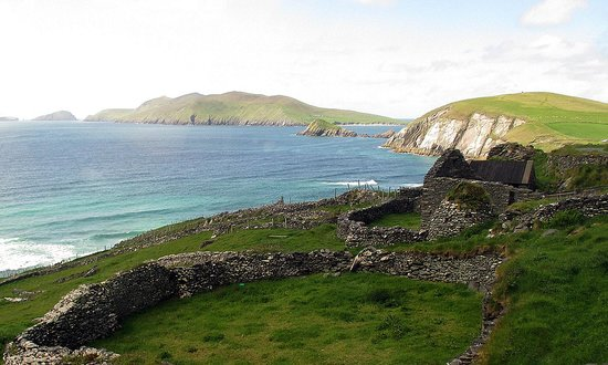Paddywagon Day Tours: View from the peninsula to the Blasket Islands