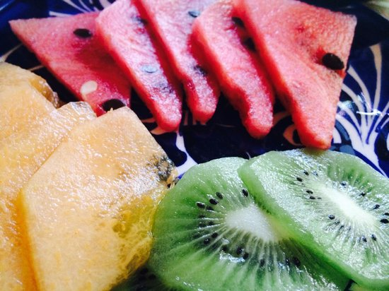 The Bungalows Hotel: Fruit Plate before Breakfast