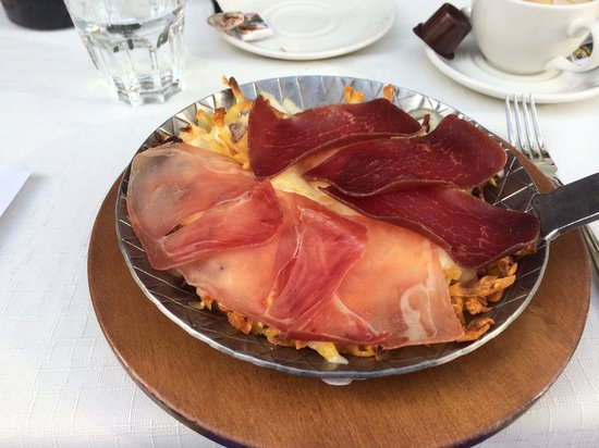 Hauser Restaurant: Great meal with meats on top of cheese and potato