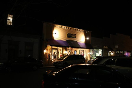 Zionsville, IN: Live music Friday 7-9pm/Saturday 8-10pm