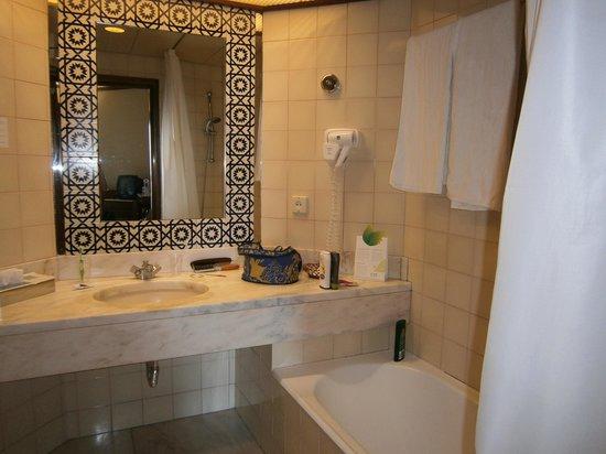 Hotel Baia Azul : Salle de bain