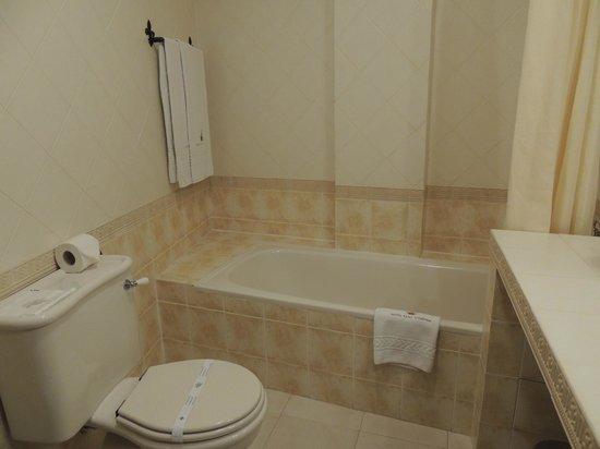 Hotel Real D'Obidos: Banheira