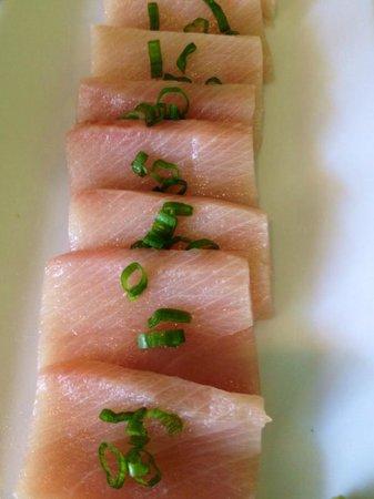 Han the Sushi Man : Yellowtail sashimi