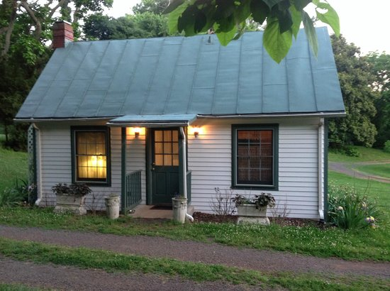 Mayhurst Inn - Orange Virginia - School House cottage