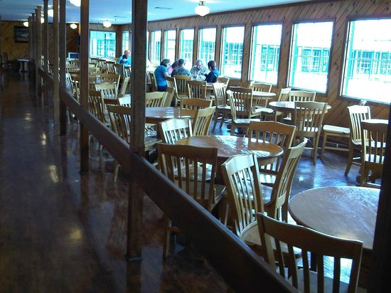 The Apple Barn Cider Mill And General Store : Cafe