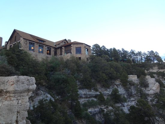 Grand Canyon Lodge - North Rim: Grand Canyon Lodge from the lookout point