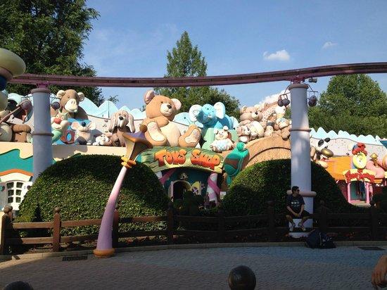 Gardaland Resort: Fantasy Kingdom
