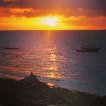 DoubleTree by Hilton Resort Zanzibar - Nungwi : Sun set from the balcony