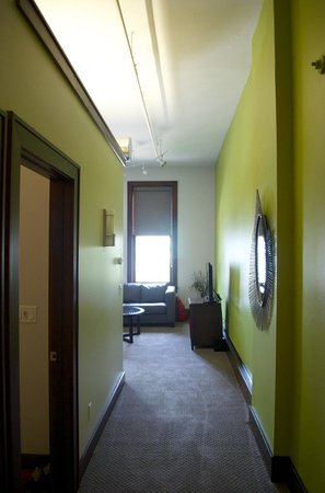 Teerman Lofts: Entry