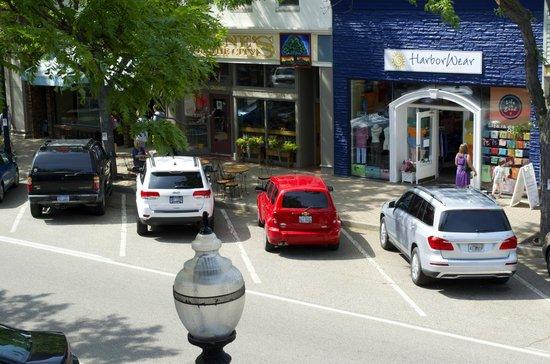 Teerman Lofts: overlooking street