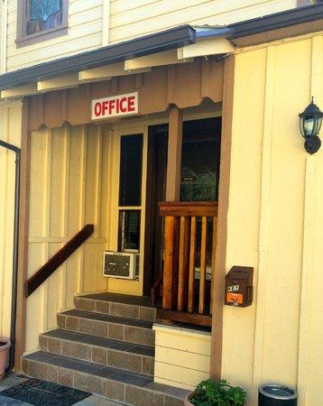 Miner's Motel : Entrance
