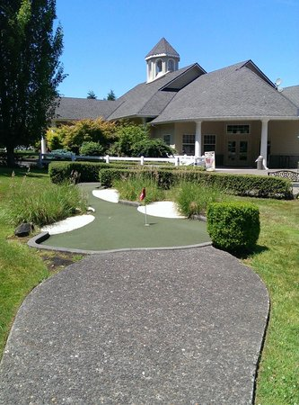 Tualatin, OR : After the first hole