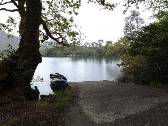 Ballynahinch Castle Hotel: Lake photo