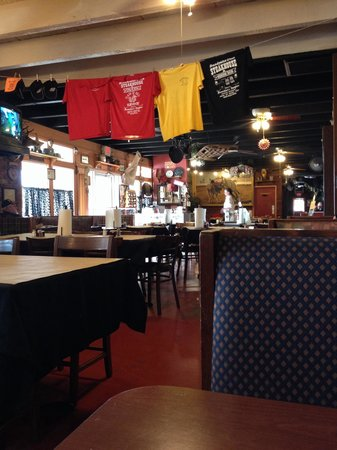 Brandywine Steakhouse & Moonshine Tavern: Clean dining room at Brandywine Steakhouse