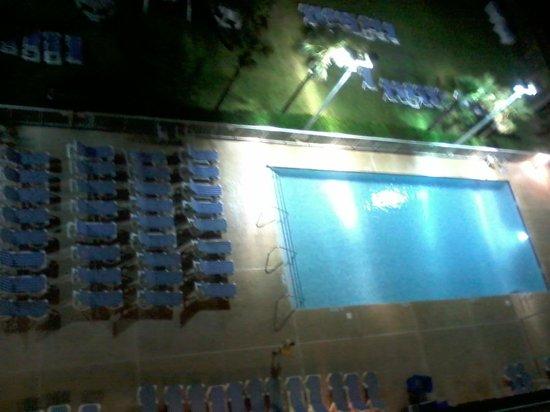 Dunes Village Resort : Pool