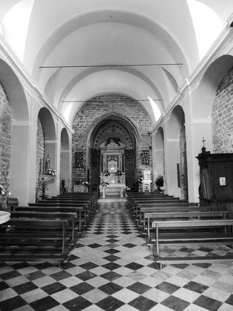 Gioia Private Tour & Trips - Florence & Tuscany - Day Tours : A local church