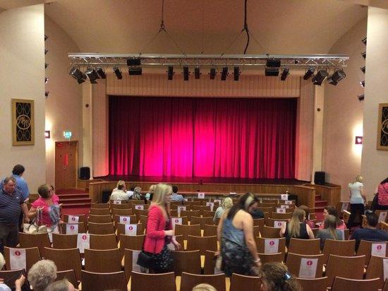 Mitchell Memorial Theatre