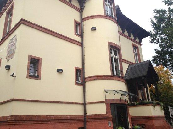 Hotel Villa Monte Vino: Fassade an der Eingangsseite