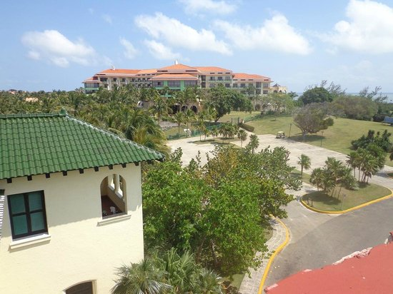 Melia Las Americas: Hotel visto de cima da mansão Dupont