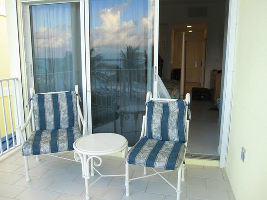 Wyndham Reef Resort : Chairs on Balcony