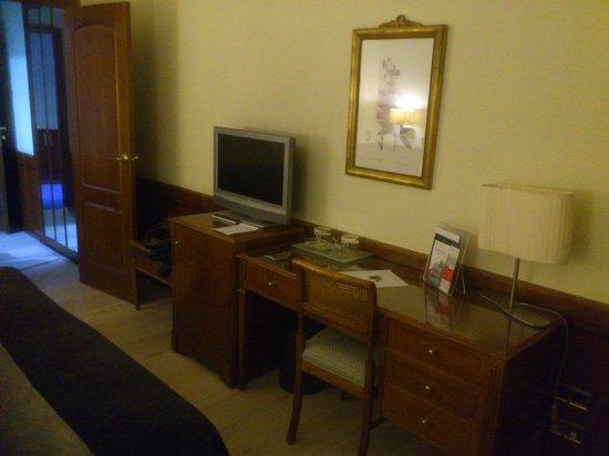 Silken Rio Hotel: SILKEN RÍO Habitación muebles 2014-03