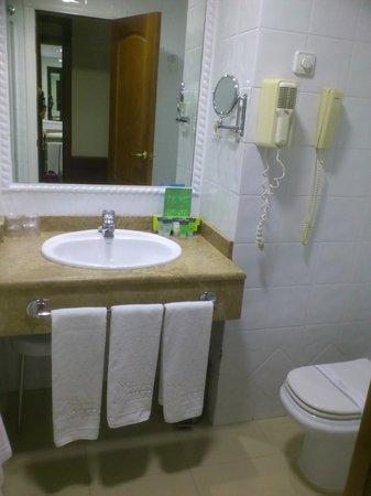Silken Rio Hotel: SILKEN RÍO Cuarto baño 2014-03