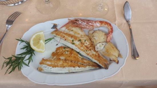 Restaurant La Piazzetta : Prato principipal