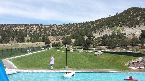 Mount Princeton Hot Springs Resort : Hillside pool