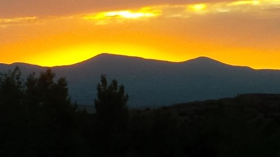 Four Seasons Resort Rancho Encantado Santa Fe: Sunset from balcony