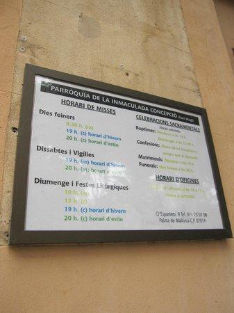 Parroquia de la Inmaculada Concepcion - Sant Magi: Cartel informativo en el exterior