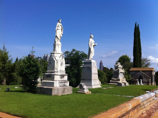 Oakland Cemetery: Many impressive grave sites.