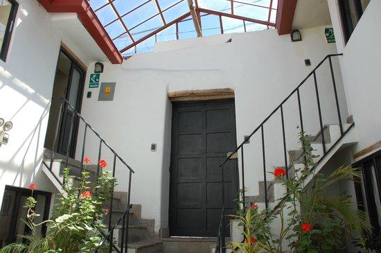 Second Home Cusco: B&B entrance.