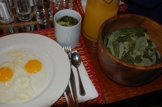 Second Home Cusco: Coca tea every morning.