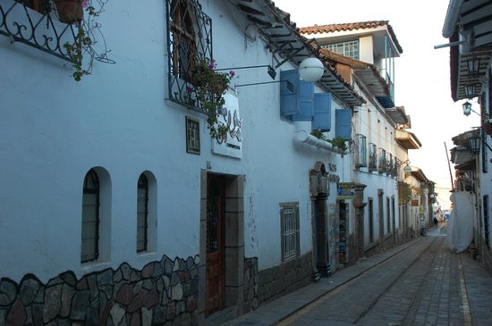 Second Home Cusco: The narrow cobblestone lanes in San Blas.