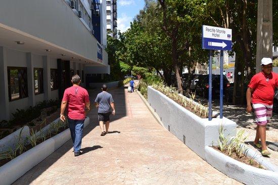 Recife Monte Hotel : bem sinalizado a localização do hotel