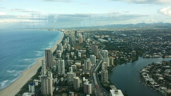 Watermark Hotel & Spa Gold Coast: Nearest Skypoint.
