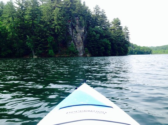 Governor Dodge State Park: Kayaking on Cox Hollow