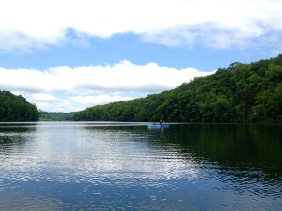 Governor Dodge State Park: Kayaking on Twin Valley Lake