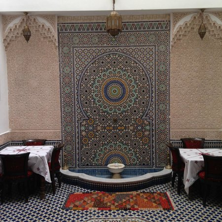 Dar Fes Medina: Courtyard mosaic