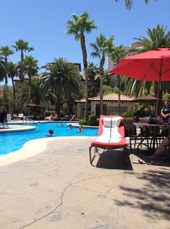 Tuscany Suites & Casino: More pool area
