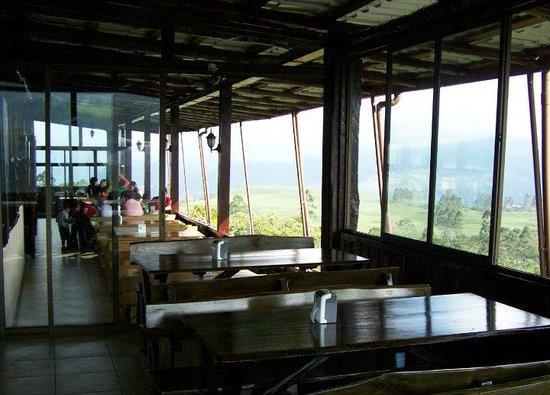 Bocadito Del Cielo: Ventanales del restaurante