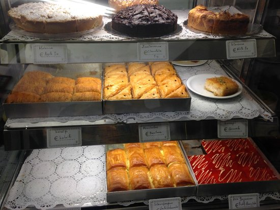 Melenio Cafe: Sweets galore