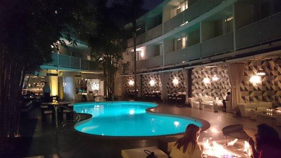 Avalon Hotel Beverly Hills: Piscine