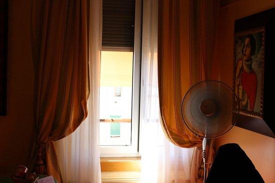 Best Western Hotel Strasbourg: Room