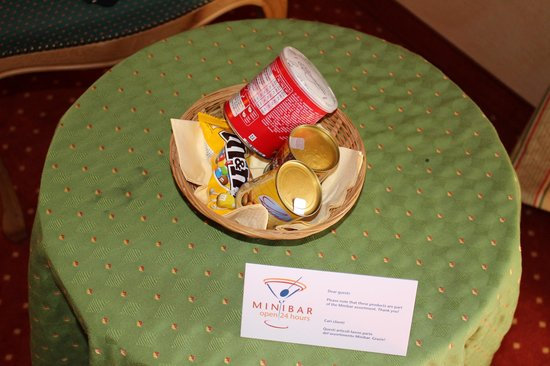 Best Western Hotel Strasbourg: Minibar snacks