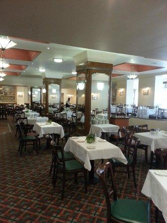 Tavistock Hotel: dining room