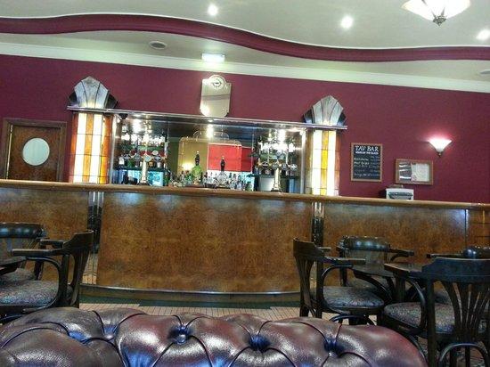 Tavistock Hotel: bar