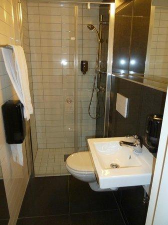 Citybox Oslo: Bath