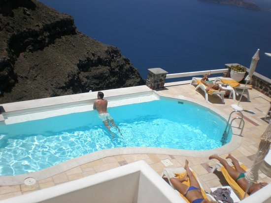 Tholos Resort: La piscina del hotel.